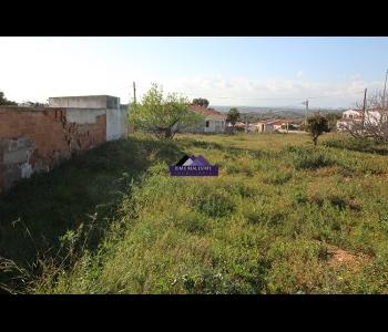Terreno urbano com 439m2 para moradia de 245m2 em São Bartolomeu