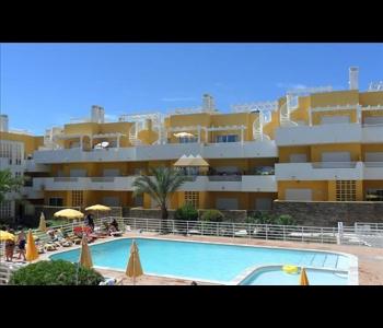 T1 em condomínio privado com piscina